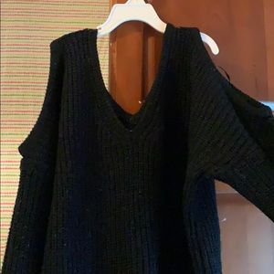 Sweaters - Cold shoulder black sweater